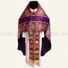 Embroidered priest's vestments 10217 2