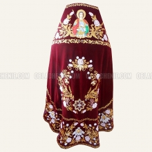 Embroidered priest's vestments 10219