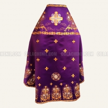 Embroidered priest's vestments 10224 2