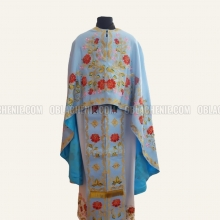 Embroidered priest's vestments 10230 1