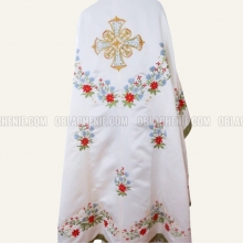 Embroidered priest's vestments 10231 2