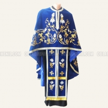 Embroidered priest's vestments 10232 1