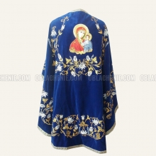 Embroidered priest's vestments 10232 2