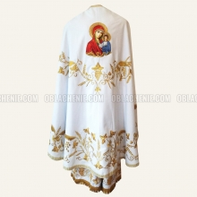 Embroidered priest's vestments 10242 1