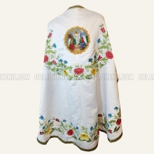 Embroidered priest's vestments 10247