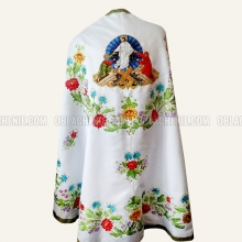 Embroidered priest's vestments 10249