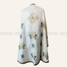 Embroidered priest's vestments 10252