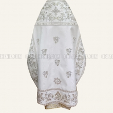 Embroidered priest's vestments 10649 2