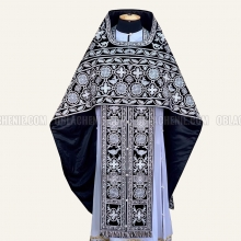 Embroidered priest's vestments 10651