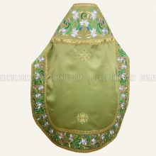 Embroidered priest's vestments 10652 2