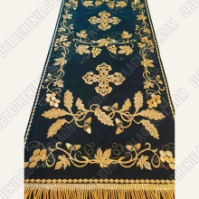 EMBROIDERED PRIEST'S VESTMENTS 11074 4
