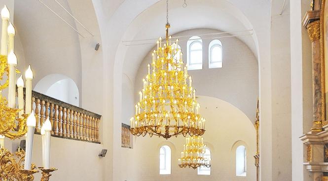 Паникадило - освещение в церкви